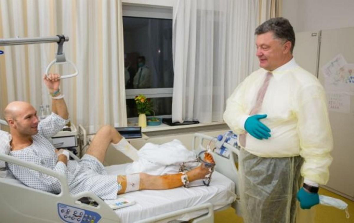 Германия продолжит лечение бойцов АТО- Порошенко