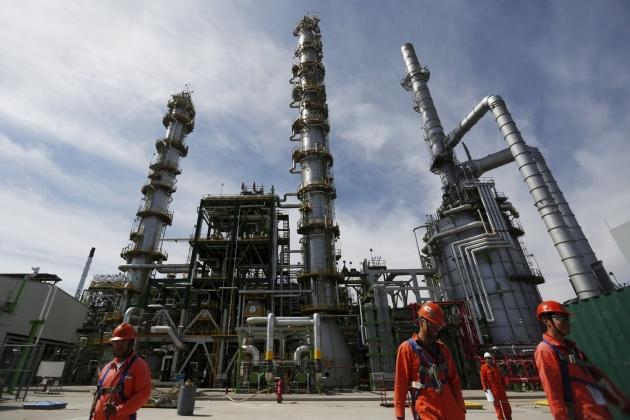 Баррель нефти подорожал до52 долларов— Новый рекорд