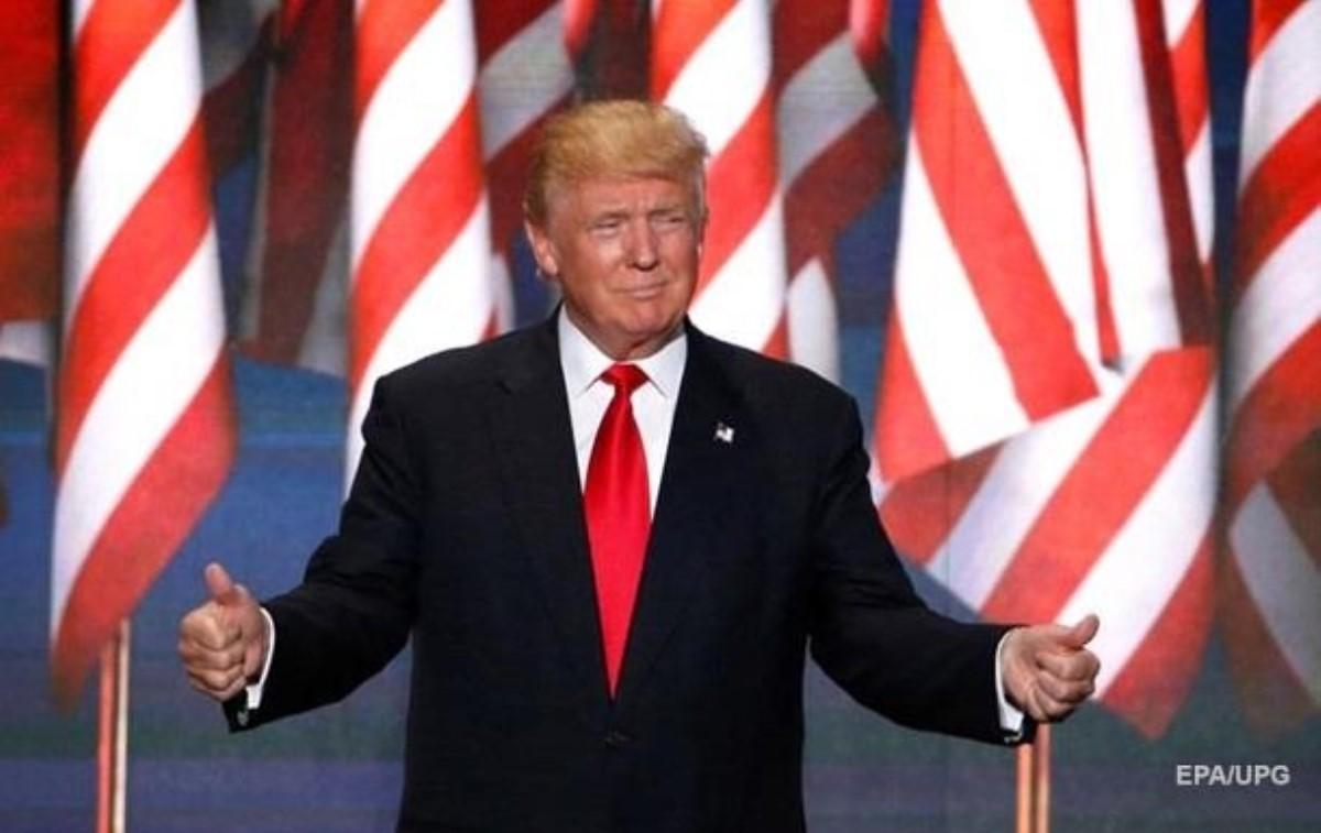 Сандерс объявил, что Клинтон должна стать следующим президентом США