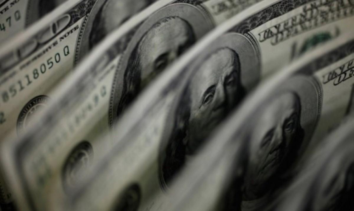 Доллар вбанках Украины достиг 25 загривну