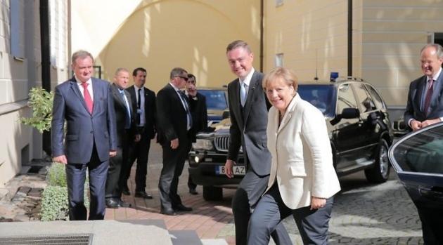 Сегодня канцлер Германии Ангела Меркель прибывает cдвухдневным визитом вЭстонию2