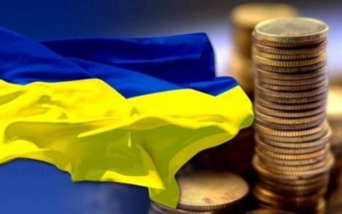 Украинцы продали больше валюты, чем приобрели