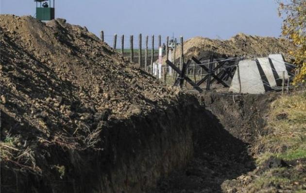 Из22 наблюдательных башен для «Стены» Яценюка 14 оказались бракованными