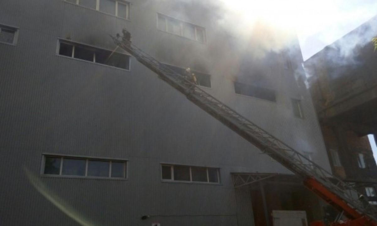ВДеснянском районе столицы Украины вспыхнул пожар