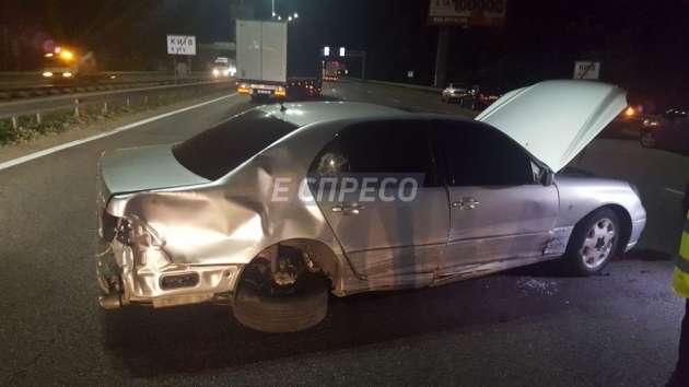 ВКиеве шофёр иномарки сбил 3-х пешеходов и исчез