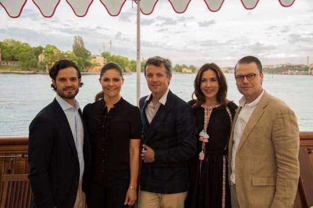 Принцесса Дании Мари надела наофициальный прием украинскую вышиванку