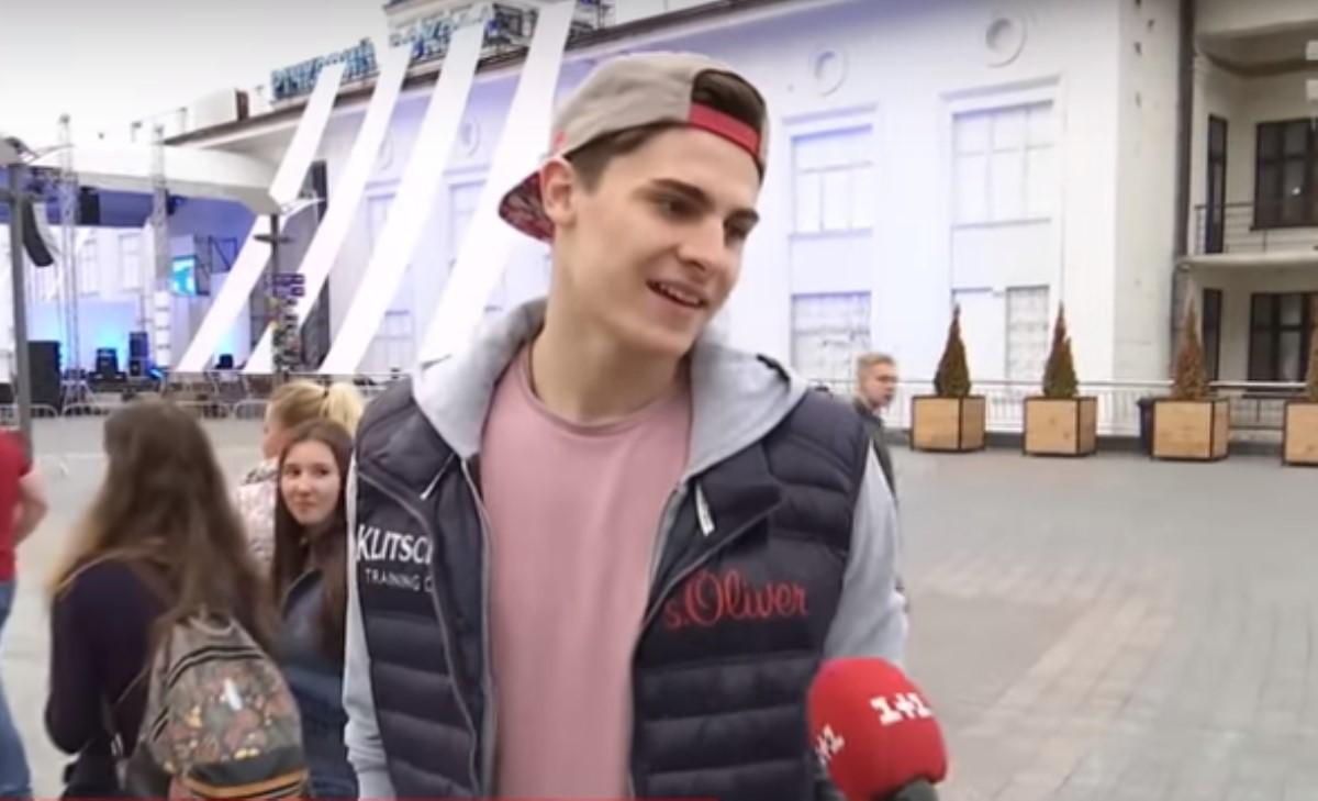 Сын Кличко отказался разговаривать с репортерами наукраинском языке