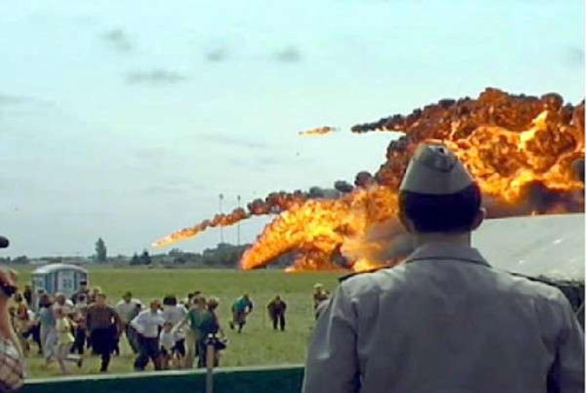 «Скниловская трагедия»: 15 лет назад вовремя авиашоу самолет рухнул на наблюдателей