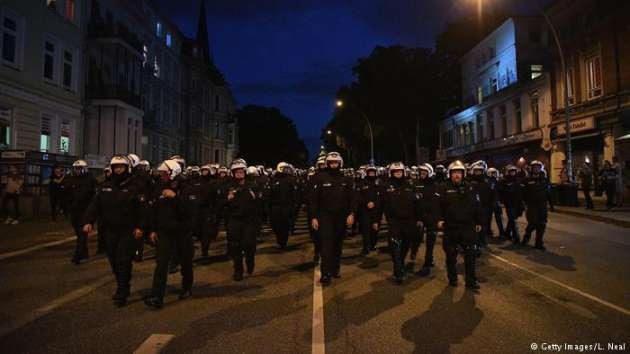 Саммит G20 вГамбурге: улицы города охвачены огнём  идымом