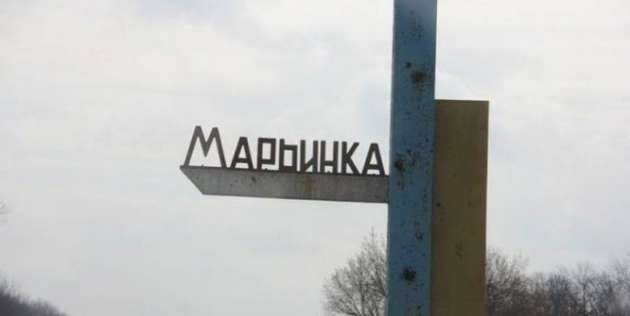 Марьинка два раза угодила вечером под обстрел: Сгорели жилые дома