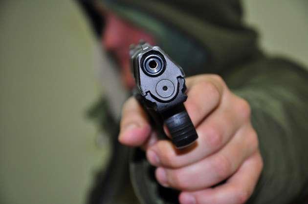 Бандитская Одесса: налетчики вмасках исбитами напали намашине бизнесмена