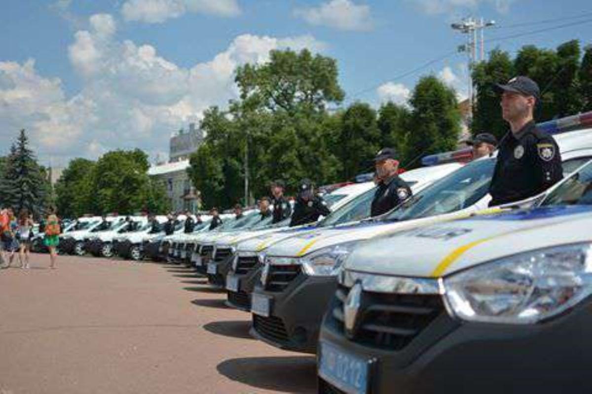 Наслужбу вНацполицию приняли 400 служащих изнеобходимых 2,5 тыс.