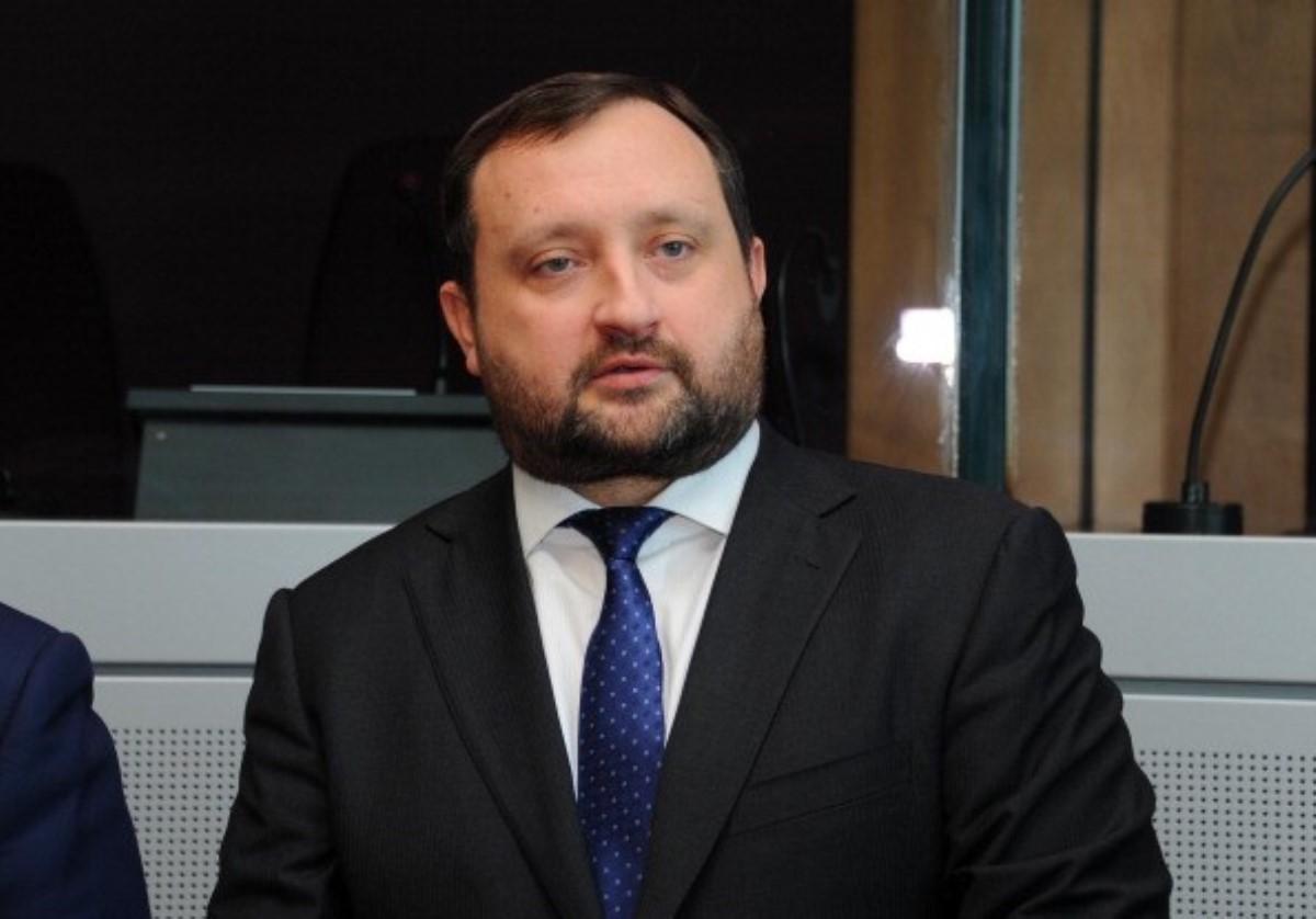 Суд позволил ГПУ провести особое досудебное расследование вотношении Арбузова