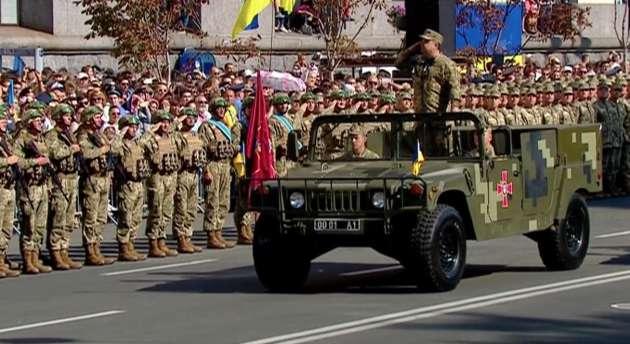 Вовремя парада мужчина сказал о минировании Майдана Незалежности