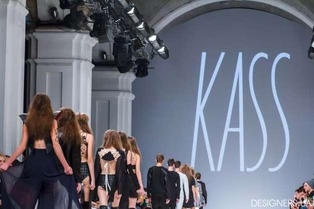 Укрпочта впервый раз выпустила fashion-марку кнеделе моды «Ukrainian Fashion Week»
