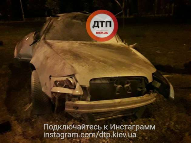 ВКиеве Ауди врезалась вмаршрутку: двое пострадавших