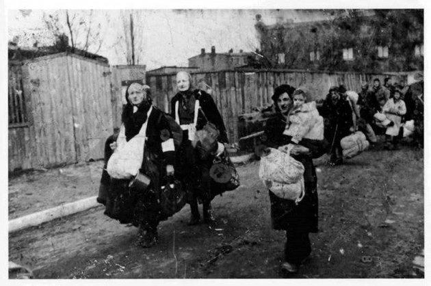 Порошенко призвал помнить осталинских депортациях граждан запада Украины вСибирь