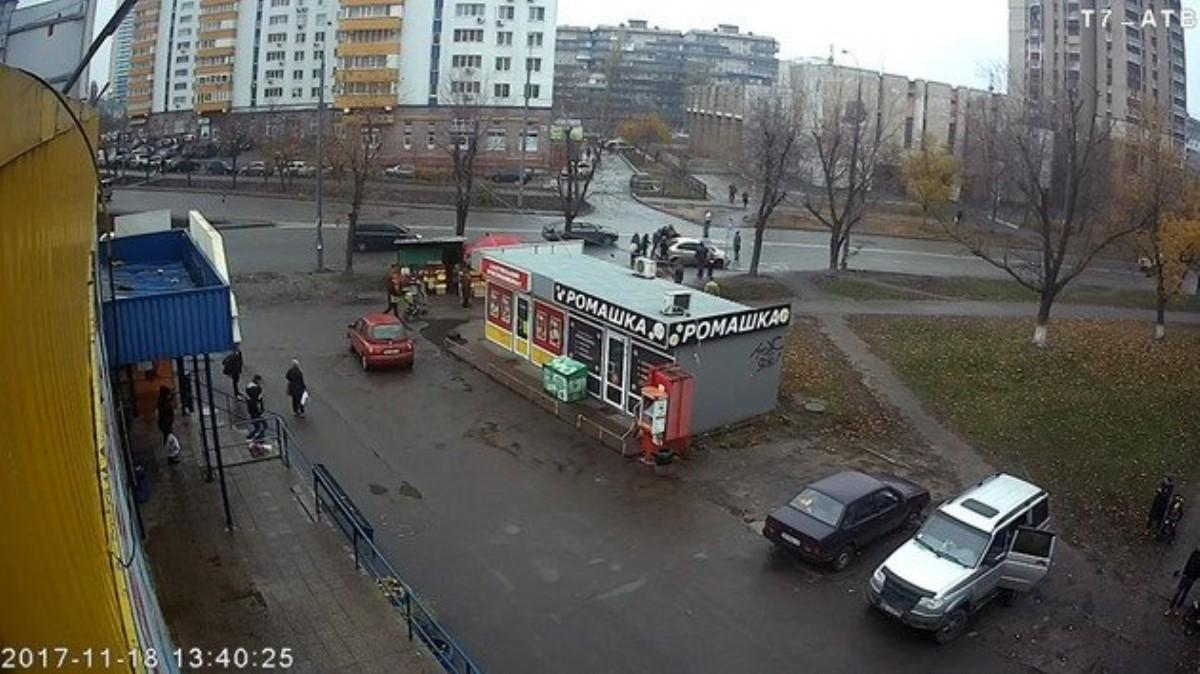 ВКиеве выкрали женщину: появилось видео