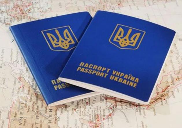 Украинцы смогут ездить вОАЭ без виз: названы сроки