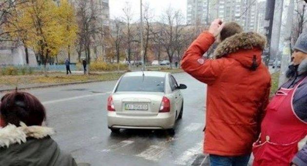 Вweb-сети интернет появилось видео похищения женщины вКиеве