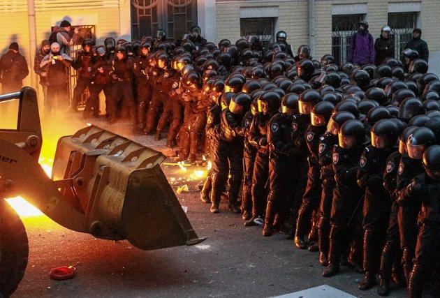 Скандал впрямом эфире: Мураев назвал Евромайдан «государственным переворотом»