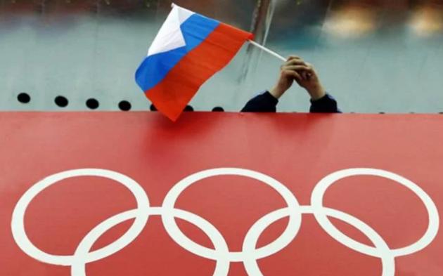 Чехлы от ватных матрасов: в соцсети истерика из-за новой формы олимпийской сборной РФ