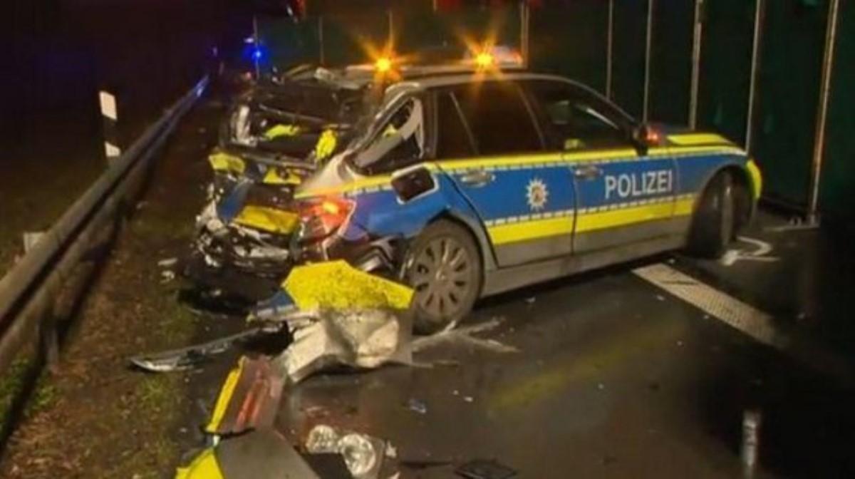 ВГермании украинская фура протаранила автомобиль милиции, погибла женщина