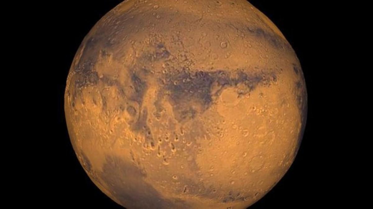 NASA опубликовало фотографии зимнего Марса