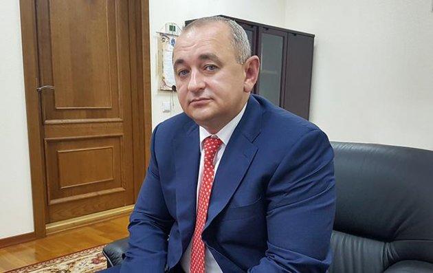 Петр Порошенко увеличил Матиоса взвании
