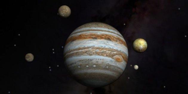 NASA опубликовало фото облачной синевы над Юпитером