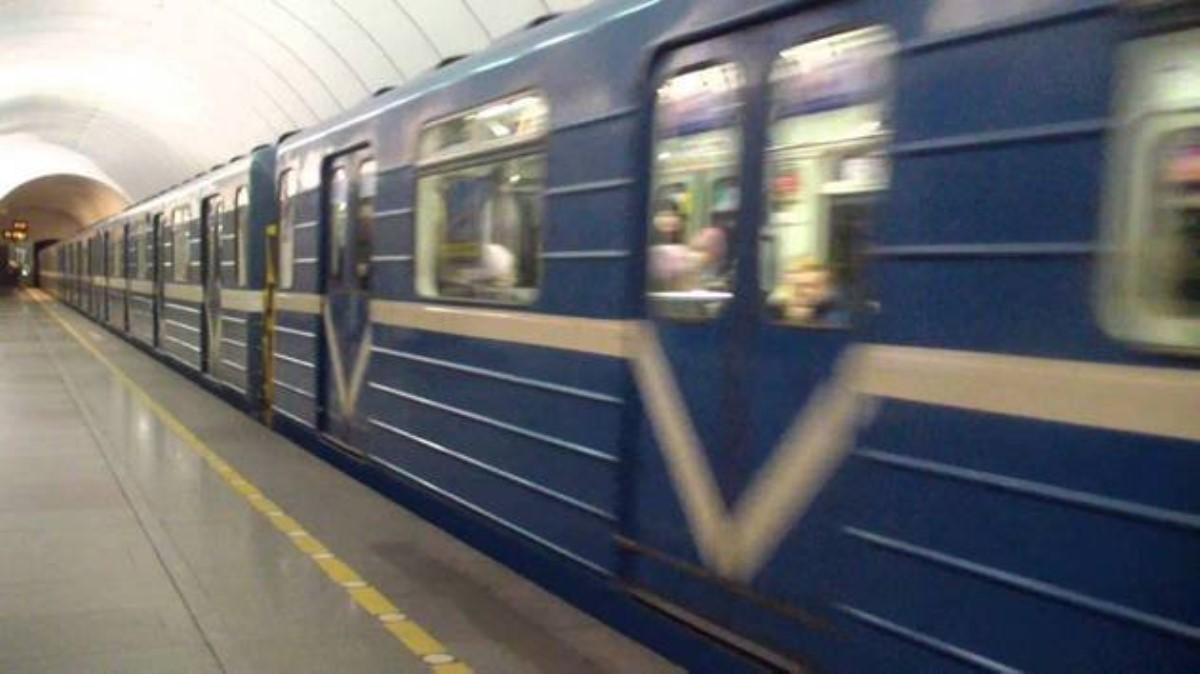 Вметро столицы Украины станции начал объявлять новый голос