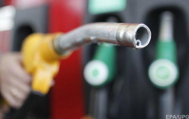 Сколько стоит заправить машину 22января— Бензин снова подорожал