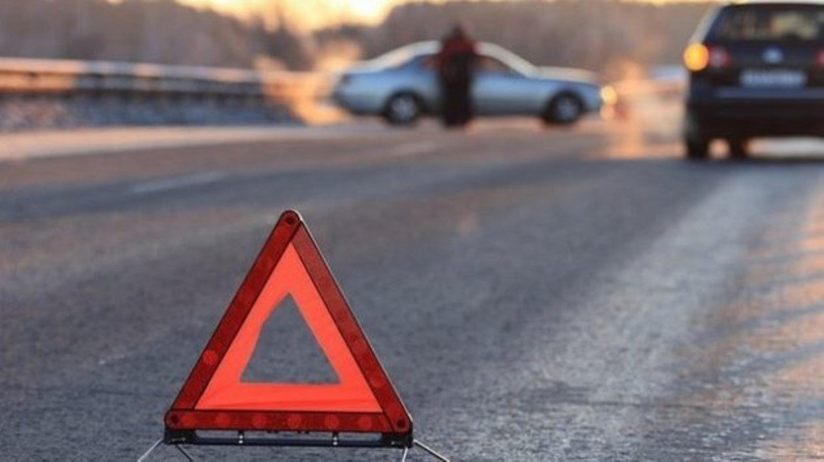 Под Киевом случилось жуткое ДТП спереворачиванием маршрутки