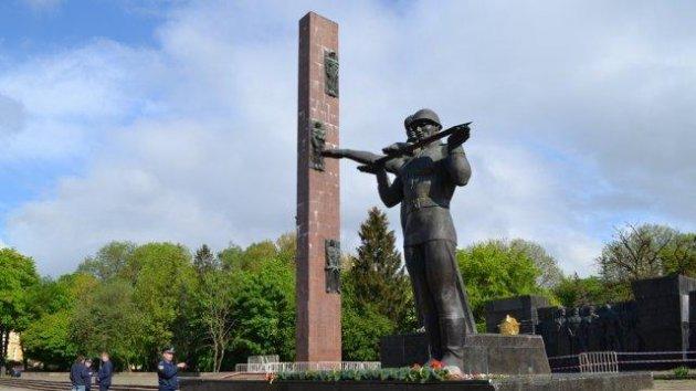 Памятник Славы изЛьвова отправят ктеррористам