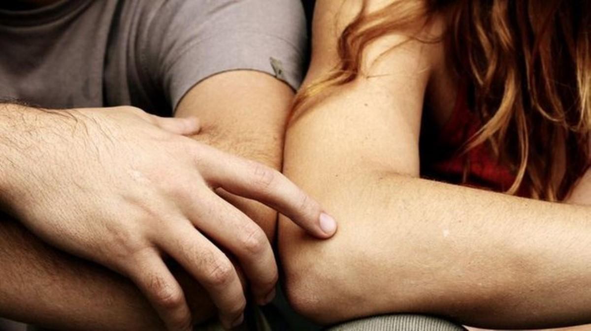 Ученые изКолорадо узнали, почему влюбленным полезно держаться заруки
