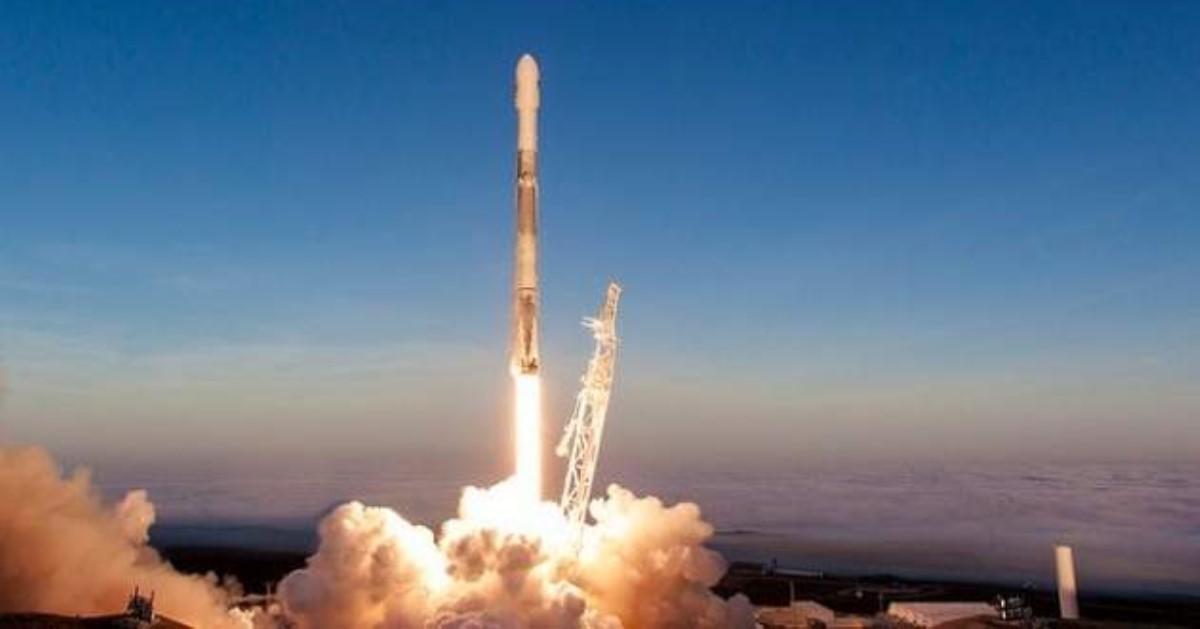 FCC позволила Илону Маску запустить тысячи спутников для глобального ШПД