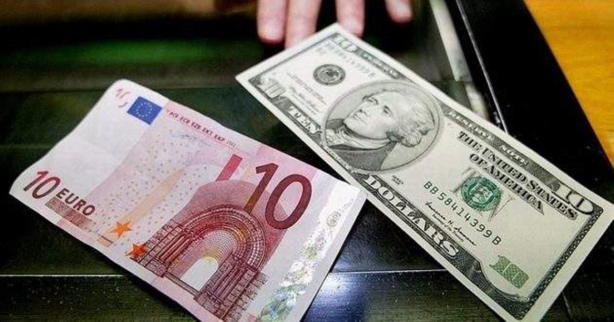 Нацбанк смягчил валютные ограничения для банков