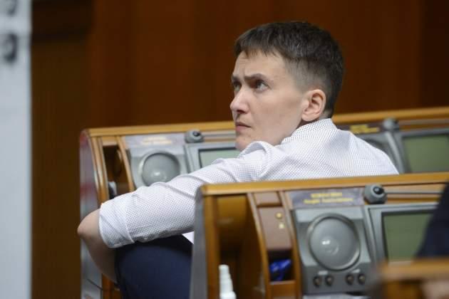 Судья освободил Надежду Савченко из-под ареста наодну минуту
