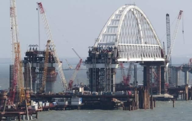 Вмеджлисе* поведали, как будут перекрыть движение поКрымскому мосту