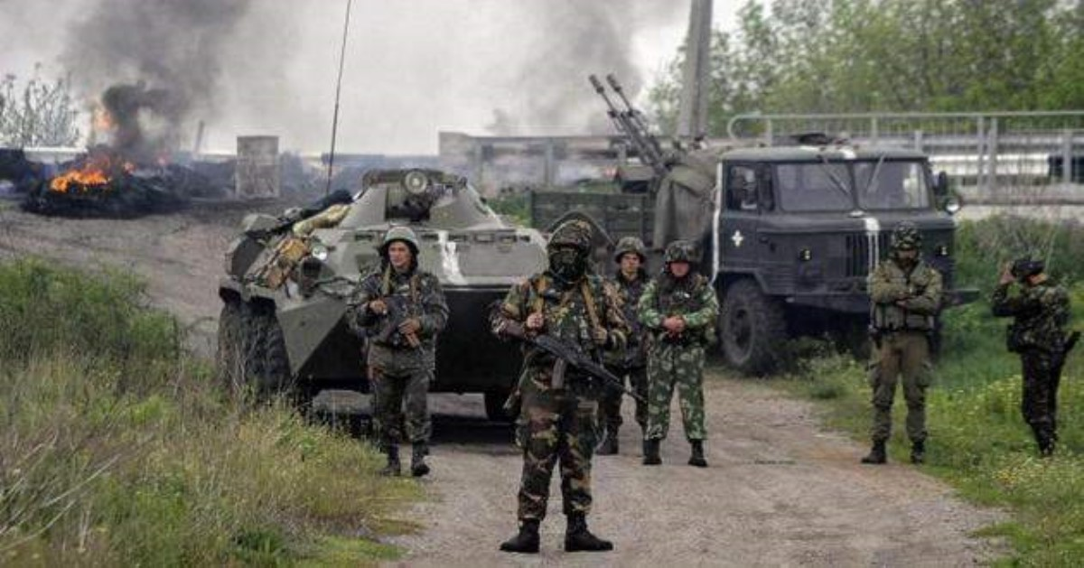 ВДонецке объявлена тревога. Боевики стреляют изгорода 120-мм снарядами