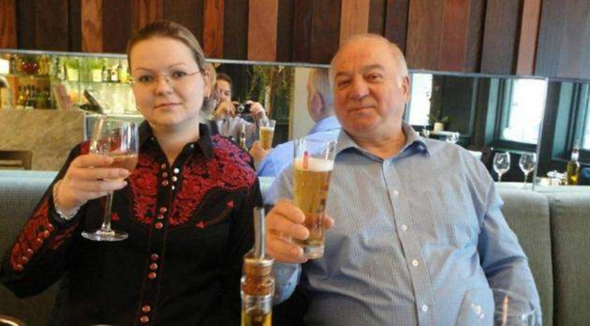 Вотравлении Скрипалей подозревали экс-сотрудника ФСБ— The Mirror