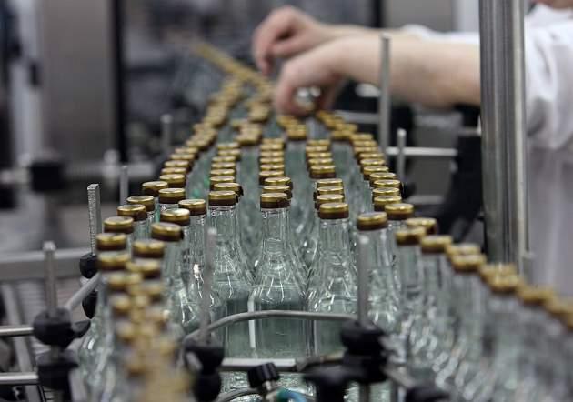 Минэкономики предложило поднять цены на спирт