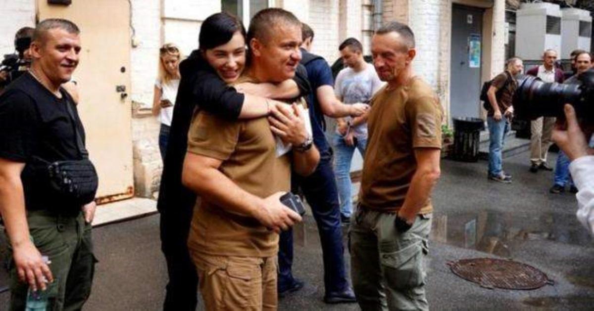 Эстрадная певица Приходько потребовала отПорошенко полмиллиона грн заобман