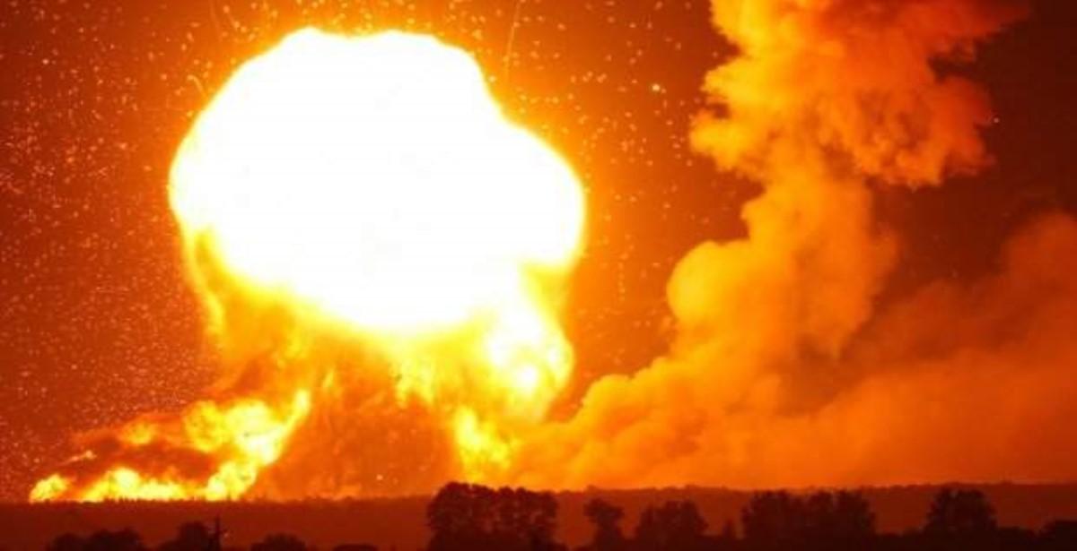 ВЧерниговской области Украины взрываются склады сбоеприпасами, эвакуировано 12 тыс. человек