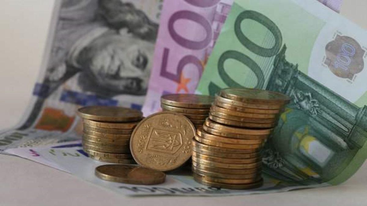 Русская  нацвалюта слабеет, курс доллара превысил 66 руб.