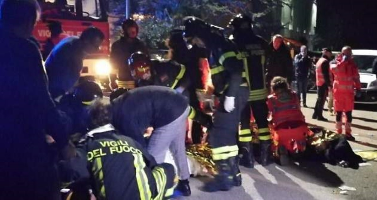ВИталии из-за давки наконцерте погибли 6 человек, неменее 120 ранены