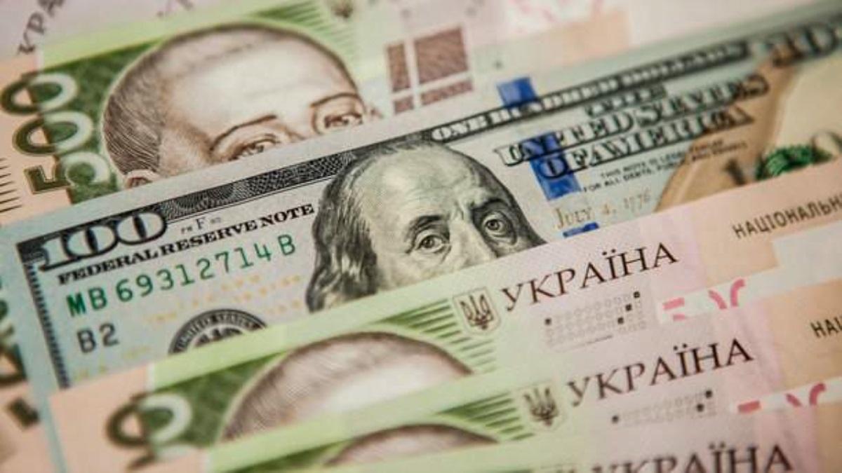 Курс евро поднялся до80 руб. впервый раз с14сентября