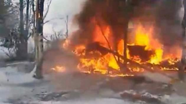 В Российской Федерации вертолет вовремя взлета потерпел крушение и зажегся. есть жертвы