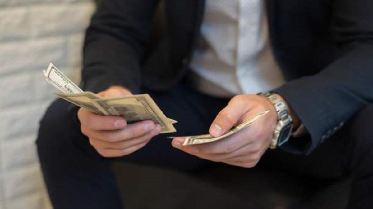 Руб. укрепился кевро идоллару— Валютные торги