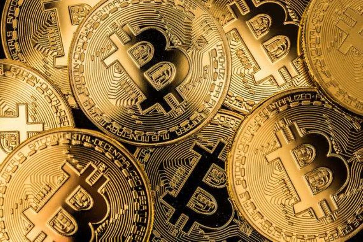 Эксперты рассказали опричинах падения биткоина